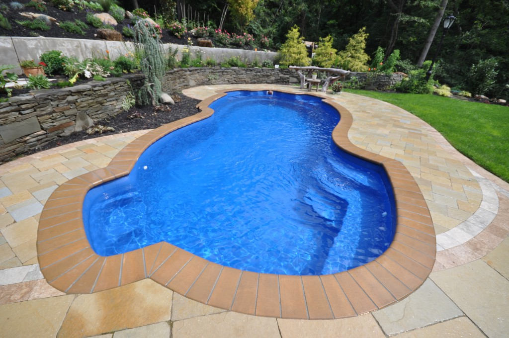 Swimming pools part 1 should you go with vinyl - Building a swimming pool yourself ...